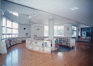 07 図書コーナー